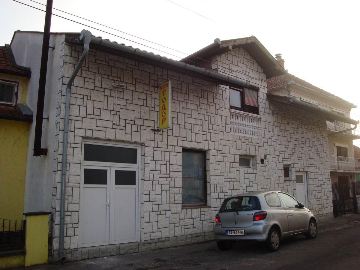Stambeno poslovni objekat na Bagljašu k_0713