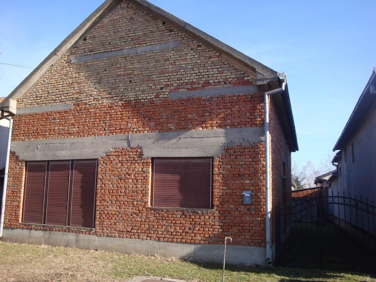 Nezavršena kuća na Gradnulici Guvno k_1047