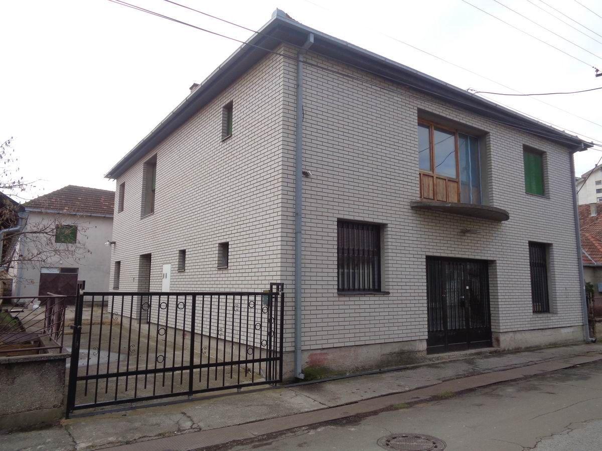 Stambeno poslovna zgrada na Bagljašu l_103
