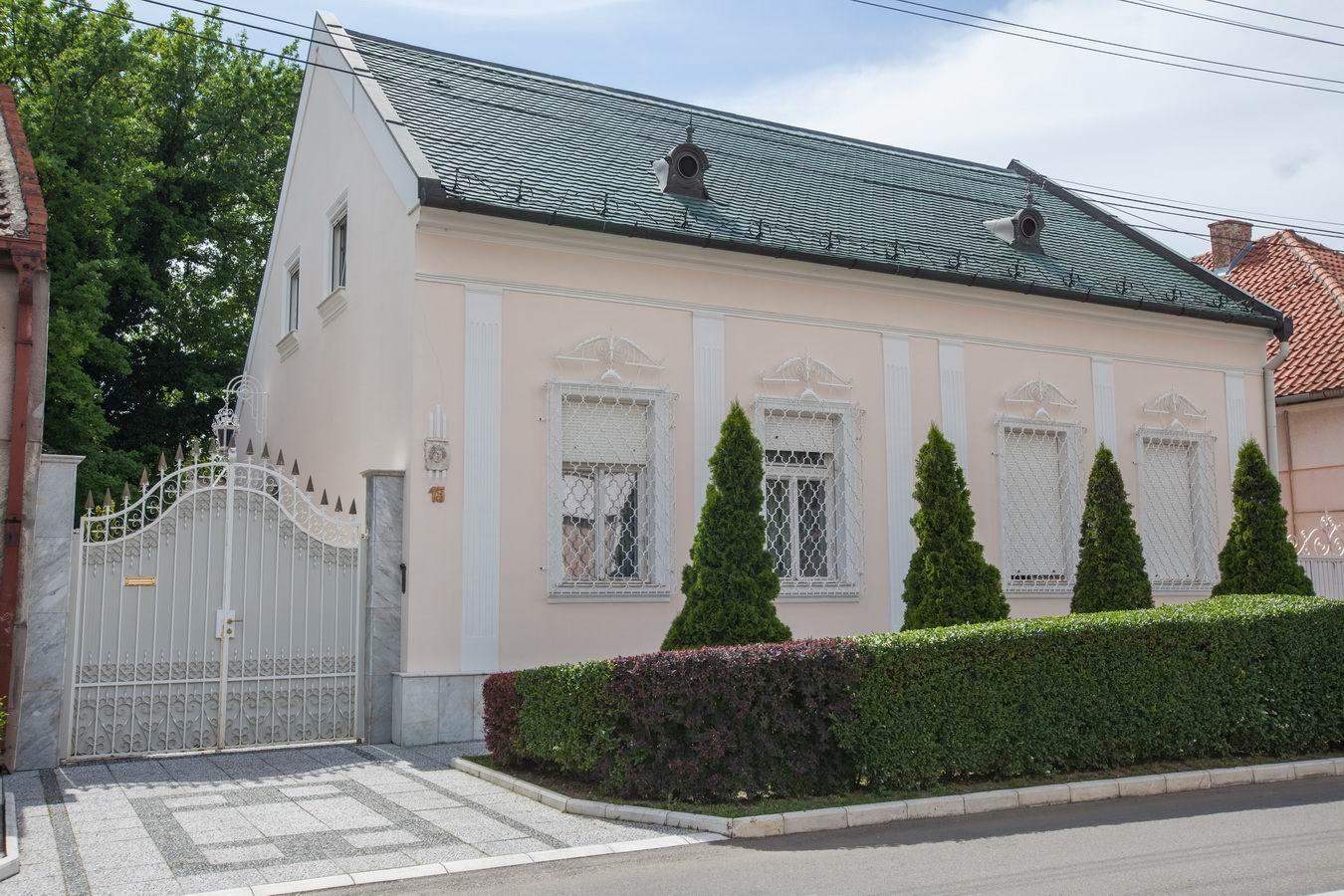 Luksuzna salonska kuća u Centru K_0625