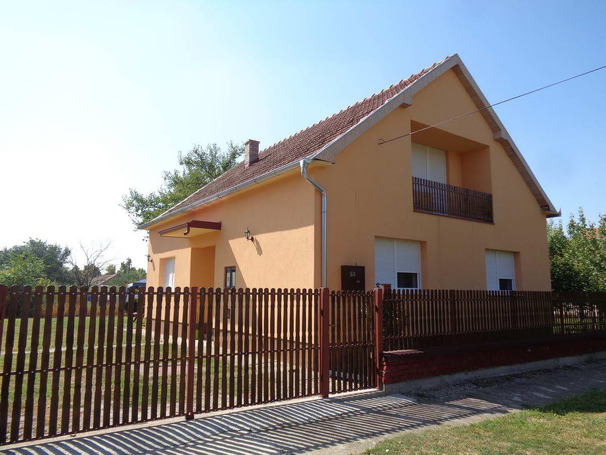 Kuća u Lazarevu k_1173