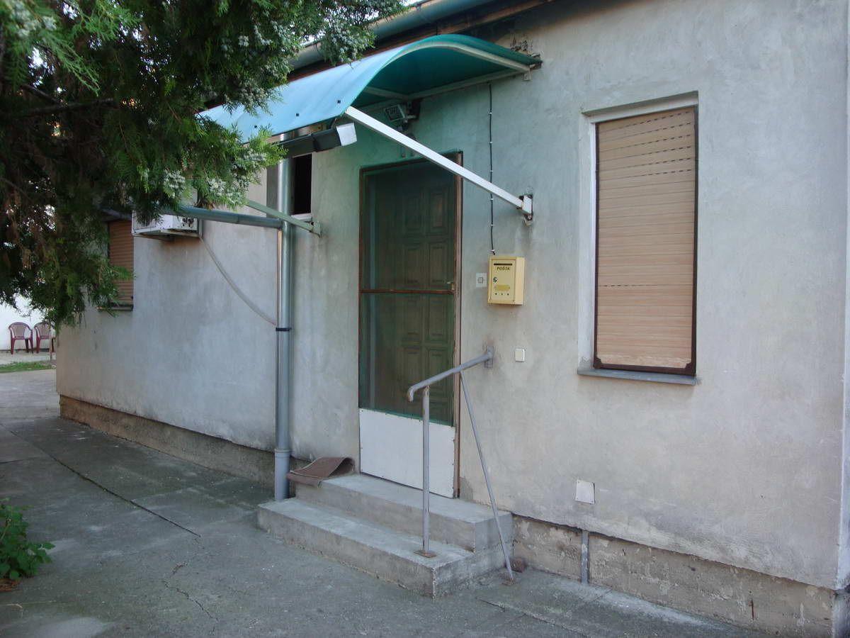 Dvorišni stan na Žitnom trgu s_717