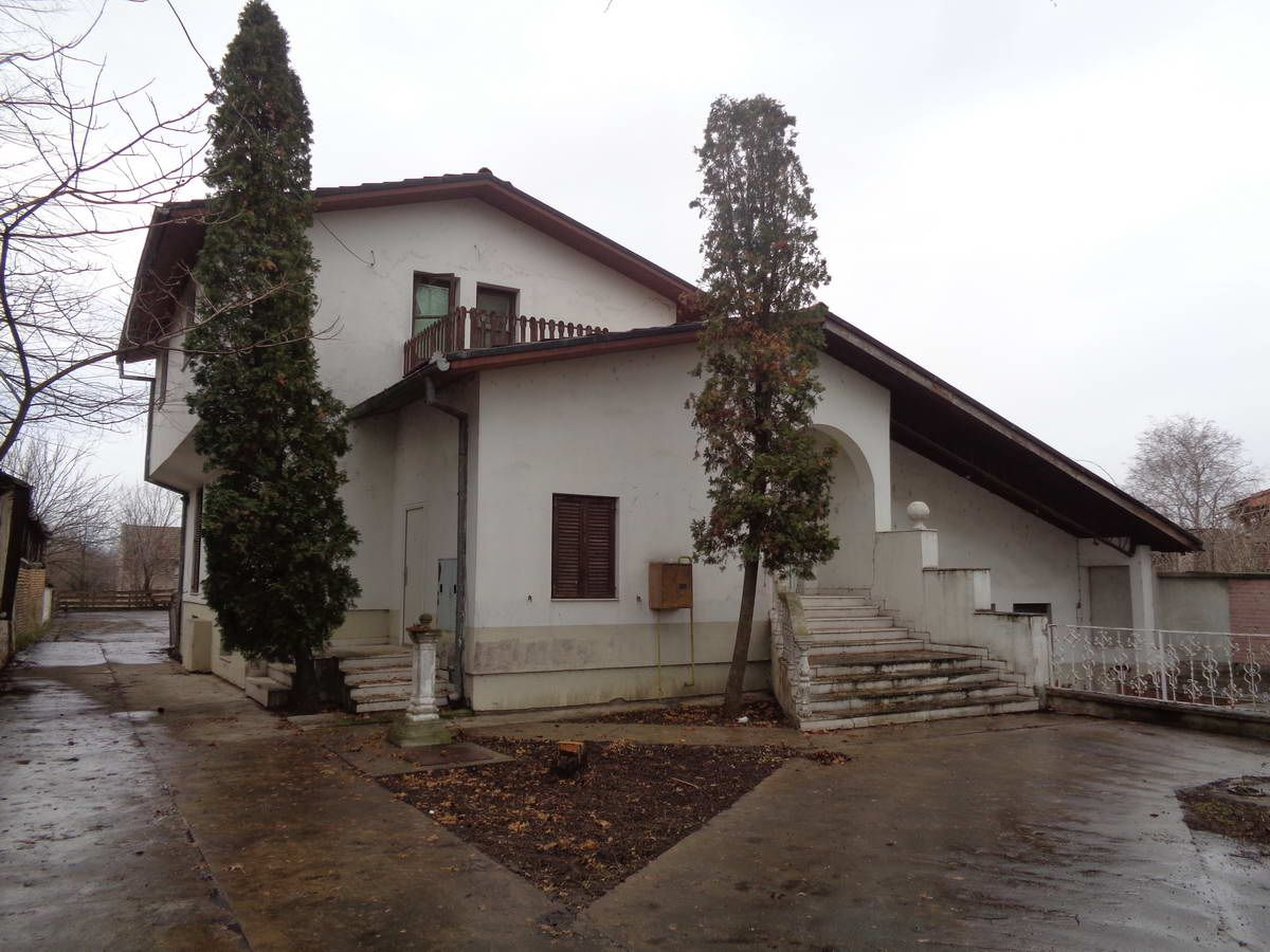 Kuća sa lokalom u Elemiru k_1208