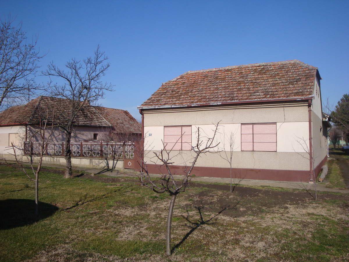 Kuća u Perlezu k_1224