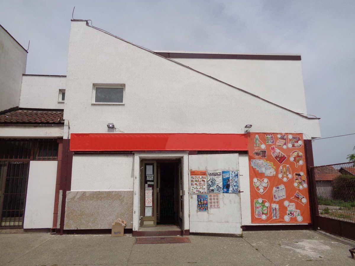 Lokal sa stanom u Melencima l_120