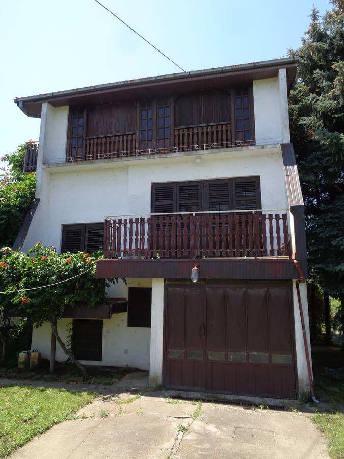 Kuća u vikend naselju kod Kleka k_1146