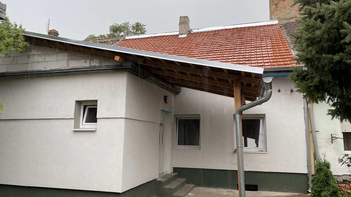 Dvorišni stan u Centru grada s_764