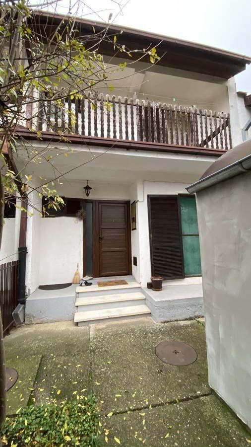 Tipska kuća u nizu na Bagljašu k_1306