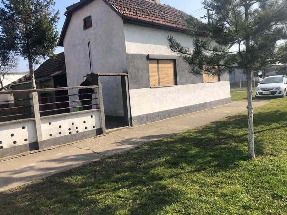 Kuća u Lukićevu k_1345