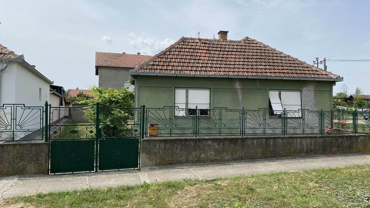 Kuća u Ečki k_1367